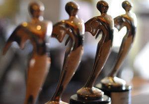 4-award-statues